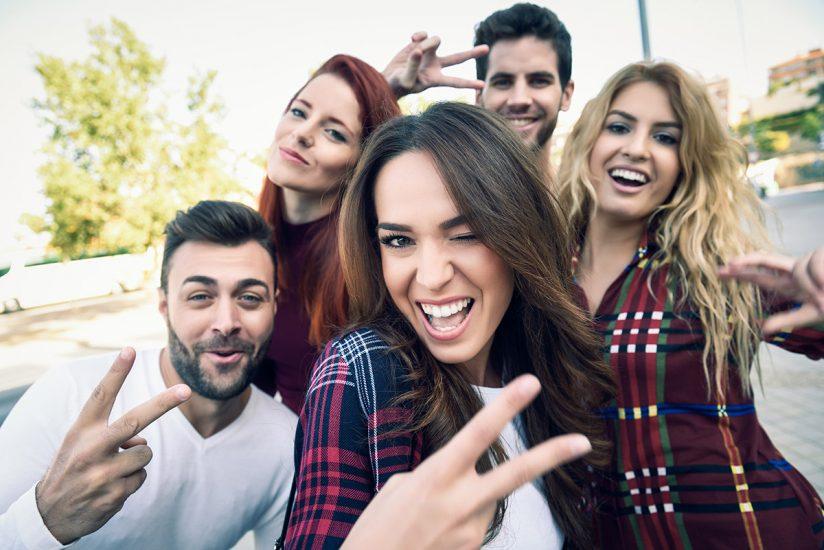 10 способов иметь больше друзей