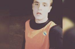 Хочу найти футбольную команду в которой могу играть