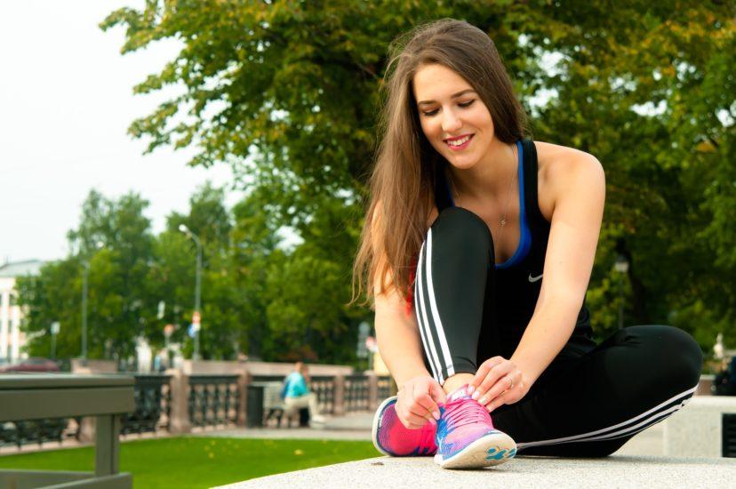 Проводим карантин с пользой: 7 упражнений для легкого эффективного похудения