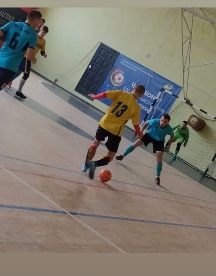 Ищу команду футбол/ мини-футбол.